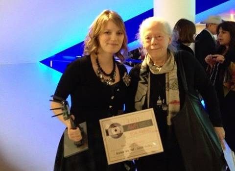 Sarah Polley receives 2014 AWFJ EDA Award for Best Documentary from Jennifer Merin